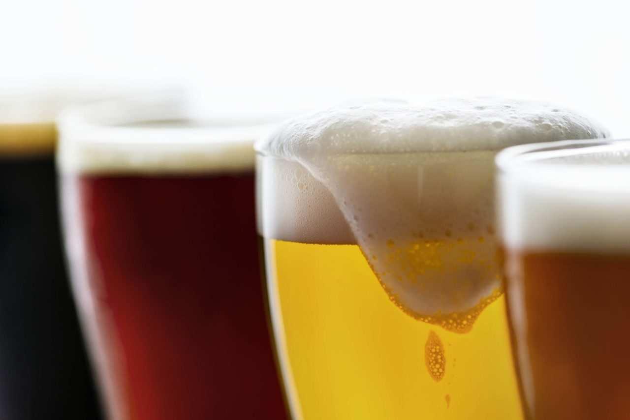 birra fatta in casa 2 scaled - Come fare la birra in casa, storia e curiosità