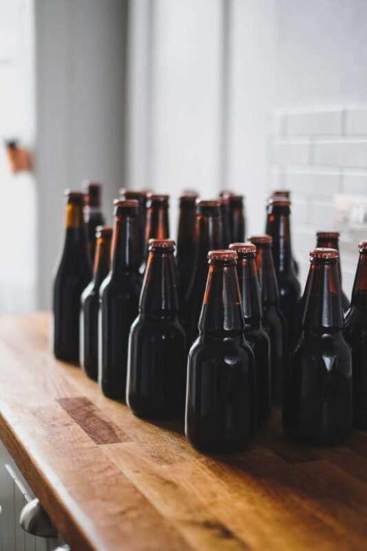 birra fatta in casa scaled 533x800 - Come fare la birra in casa, storia e curiosità