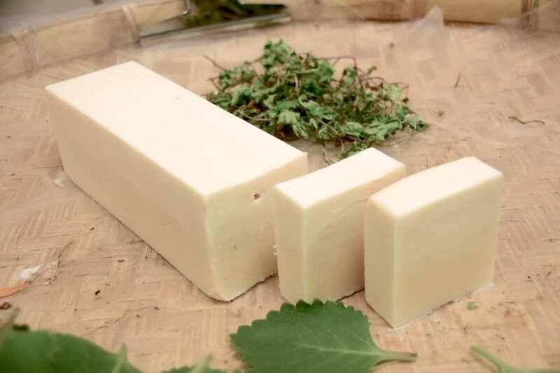 detersivi fai da te naturali sapone di marsiglia 800x533 - Detersivi fai da te naturali: prodotti efficaci ed economici, pensando allo spreco