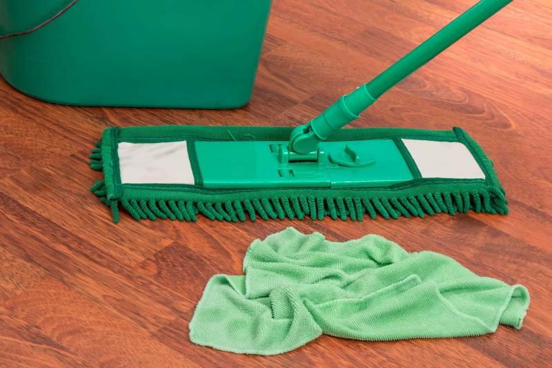 pulizia e manurenzione paviemento 800x533 - Manutenzione del pavimento guida utile e consigli per la loro cura