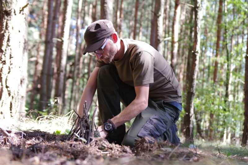 survival prepper nel bosco 800x531 - Prepper: chi sono gli esperti del survivalismo