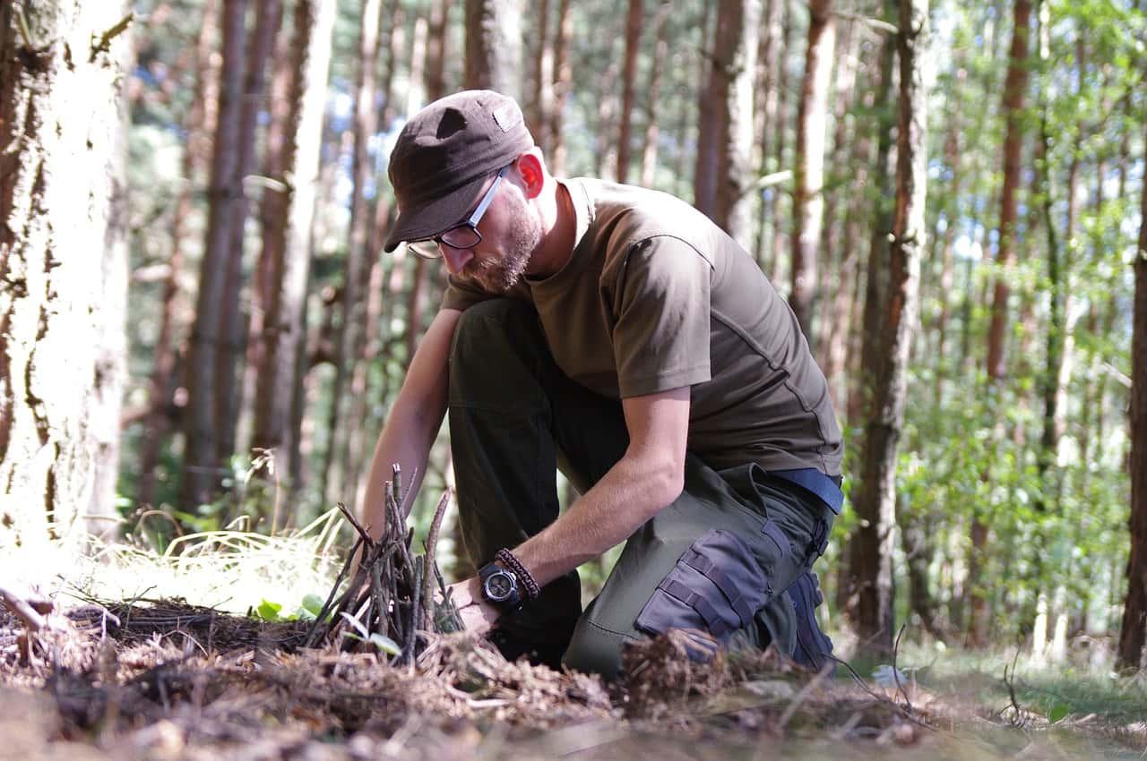 survival prepper nel bosco - Prepper: chi sono gli esperti del survivalismo