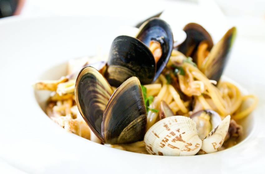 Cozze chiuse, perchè non si mangiano: intossicazione da molluschi