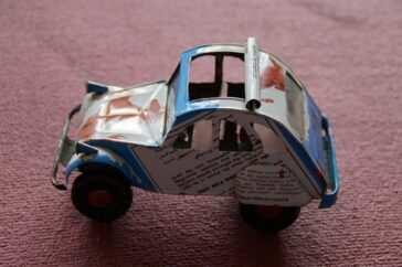 creare giocattoli con materiale di riciclo plastica cartone e stoffa scaled 364x242 - creare-giocattoli-con-materiale-di-riciclo-plastica-cartone-e-stoffa