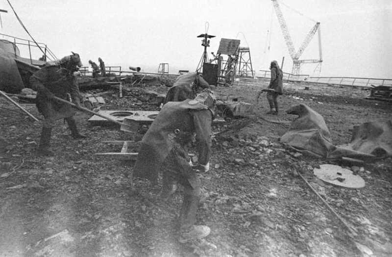 i liquidatori di Chernobyl 1 800x524 - I minatori di Chernobyl sono morti? Curiosità sul disastro nucleare