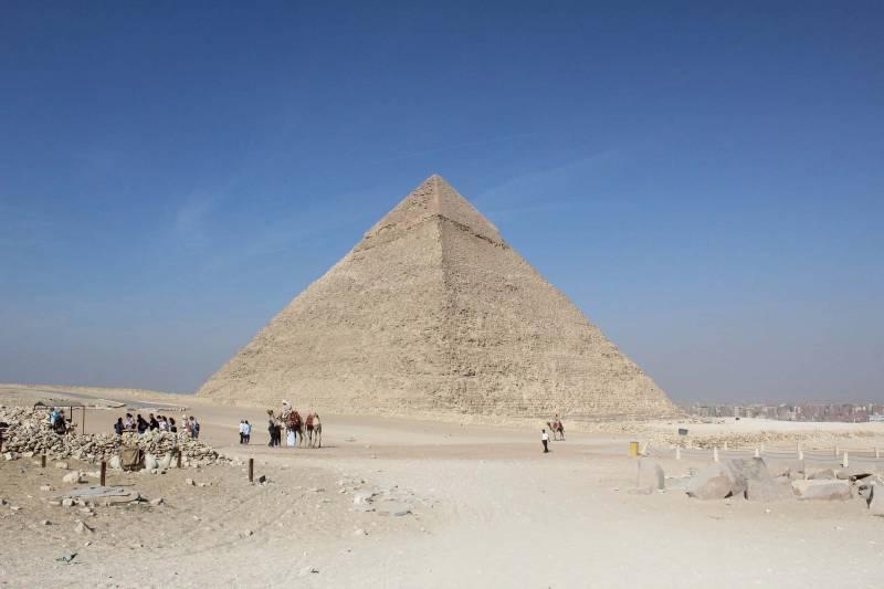 piramidi egitto 800x533 - 98 anni fa la scoperta della Tomba di Tutankhamon