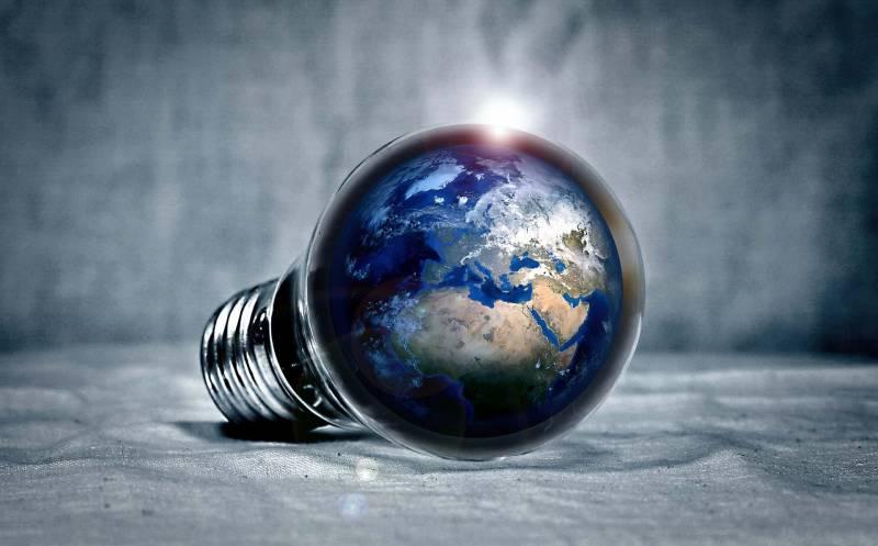 rispamio energia 800x497 - Come risparmiare sulla corrente elettrica, trucchi e strategie per una bolletta meno cara
