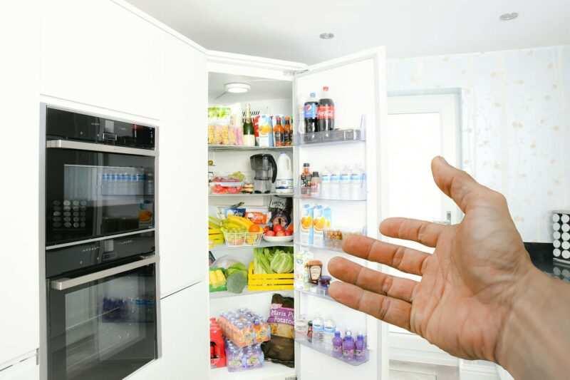 come pulire il frigorifero 800x533 - Come pulire il frigorifero e il freezer in 10 passi - Guida veloce