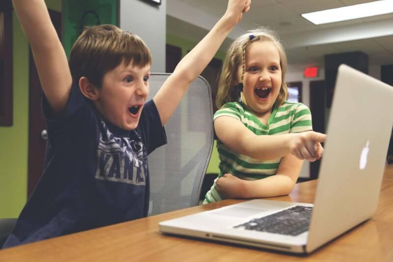 insonnia infantile videogames 800x533 - Insonnia infantile e tecnologia: c'è una relazione
