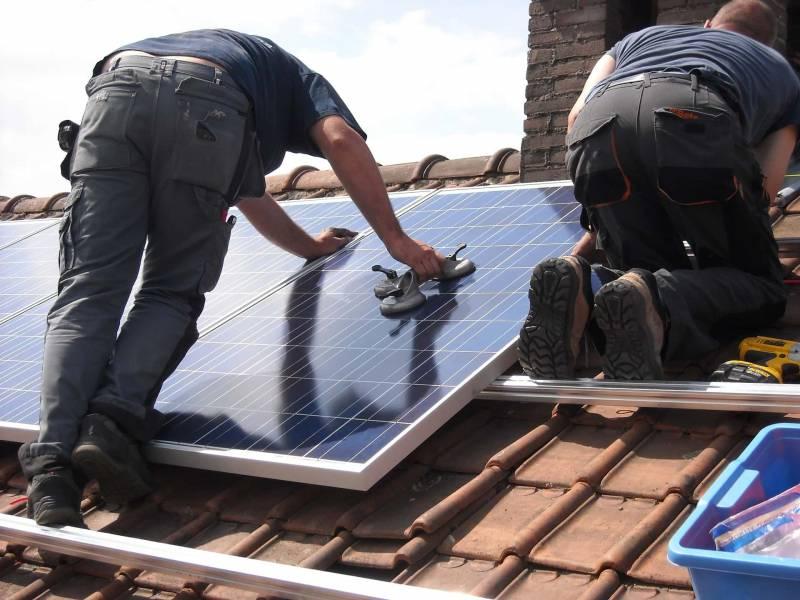 pannelli solari guida al superbonus 110 1 800x600 - Guida al Superbonus 110%: cos'è e quali lavori per la casa gratis fare