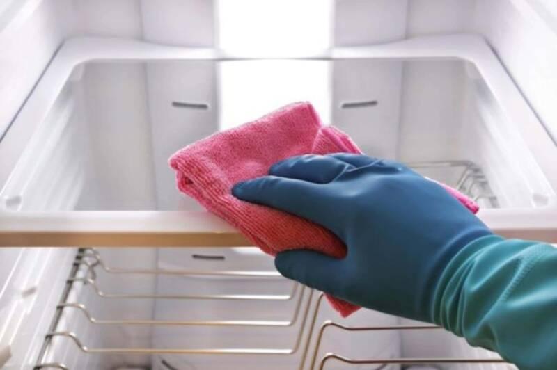 pulire freezer 800x532 - Come pulire un frigorifero e il freezer in 10 passi - Guida veloce