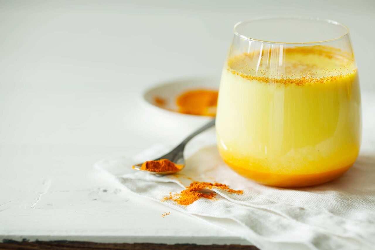 golden milk scaled - Golden milk: la bevanda d'oro con la Curcuma - la ricetta