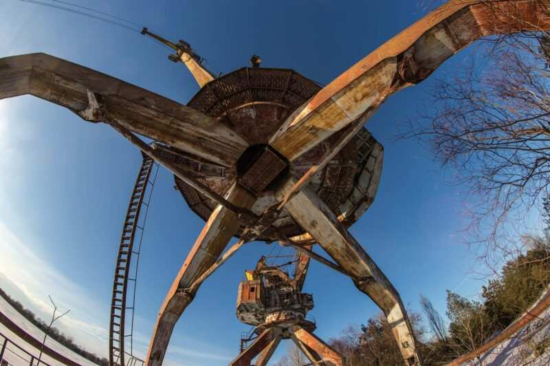 Chernobyl rottami radiotattivi contaminati 800x533 - Chernobyl e il cimitero dei rottami radioattivo