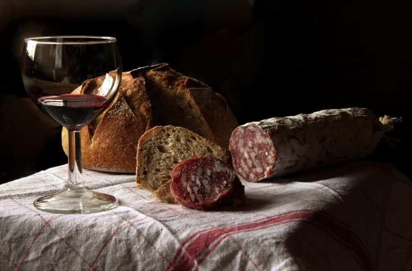 Il pane toscano senza sale: storia, curiosità e ricetta