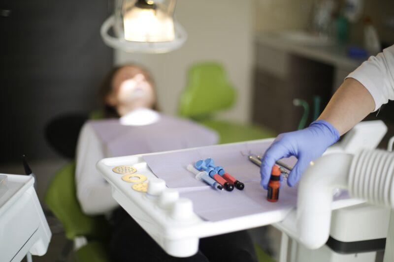 paura del dentista e del trapano 800x533 - Paura del dentista - Odontofobia: cos'è e come si supera la fobia