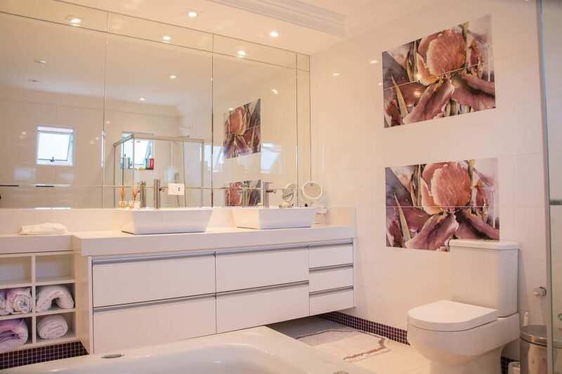 specchio per bagno moderno 800x533 - Specchio da bagno: come scegliere quello giusto