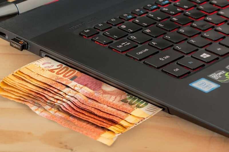 come fare soldi online 1 800x533 - Come guadagnare soldi online