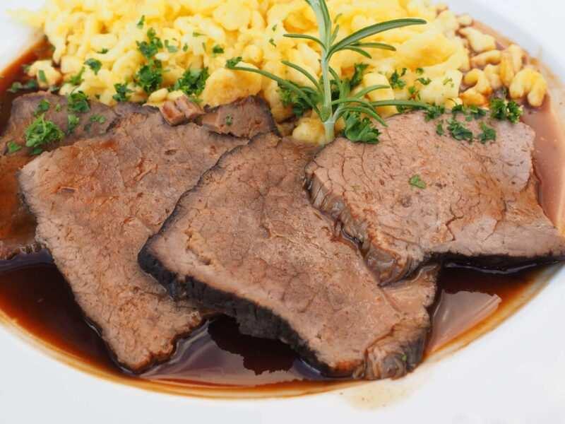 piatti tipici tedeschi Sauerbraten 800x600 - Dall'antipasto al dolce, i 10 piatti tipici tedeschi
