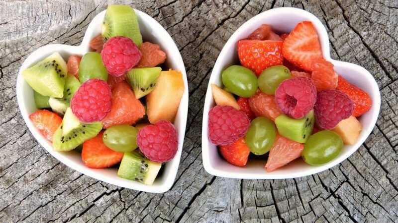 frutta varia di stagione estate 800x450 - Frutta di stagione estiva: qual è, proprietà, benefici e come mangiarla