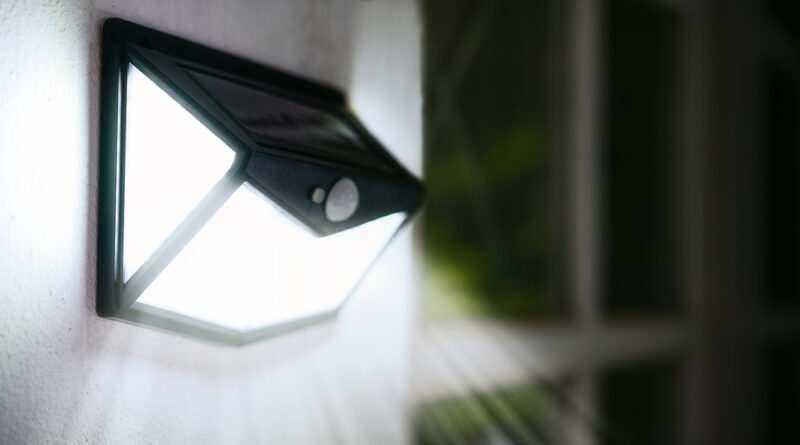 Lampade a sensore 800x445 - Tutti i vantaggi e gli svantaggi che caratterizzano le lampade a sensori